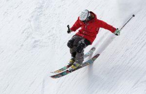 smučanje je priljubljen zimski šport