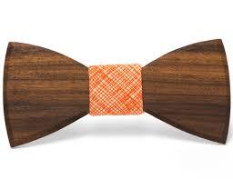 Kvalitetni leseni metuljček za poroko.