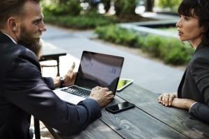 Evidenca ur zaposlenih v podjetjih