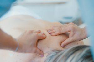 profesionalna masaža vratnih mišic
