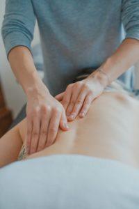 sproščujoča masaža hrbta