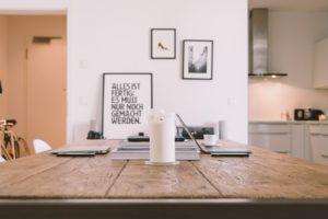kuhinjske mize so moderne in praktične