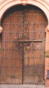 Lesena dvokrilna vhodna vrata
