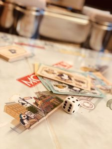 Namizne igre za pare in ali za več oseb so hkrati precej preproste, zato ne potrebujete prav dolge priprave.